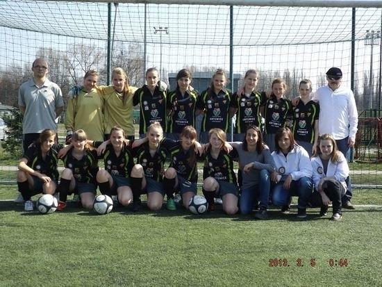 Piłkarki 1.FC Katowice po spadku z ekstraklasy z trudem wystartują w III lidze. Ich największą nadzieją jest przejęcie przez klub z Bukowej.