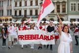 Kraków. Marsz pamięci rok po sfałszowanych wyborach prezydenckich na Białorusi [ZDJĘCIA]