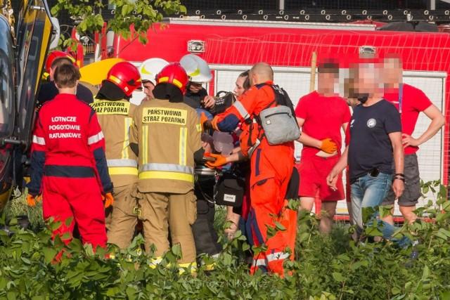 Dramatyczne sceny na basenie w Katowicach Burowcu. Mężczyzna topił się i nie odzyskał przytomności.Zobacz kolejne zdjęcia. Przesuwaj zdjęcia w prawo - naciśnij strzałkę lub przycisk NASTĘPNE