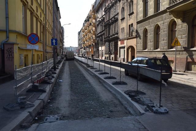 Droga rowerowa na północ od Dworca Głównego - wzdłuż ulicy Dworcowej
