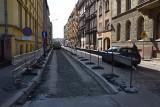 Nowa droga rowerowa od Dworca Głównego do pl. Społecznego. Układany jest asfalt, tak powstaje (ZOBACZ)