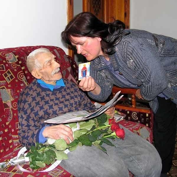 Grigorijem opiekuje się Oksana Sawczuk, wnuczka jego siostry.