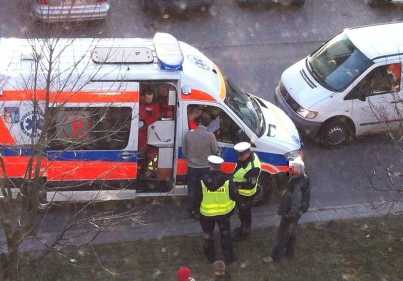 Ul. Pileckiego. Rowerzysta potrącony przez busa (zdjęcia)