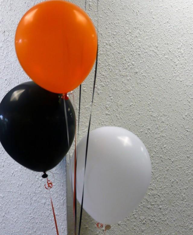 Sylwestrowa dekoracja z balonówDekorowanie domu na karnawałową prywatkę