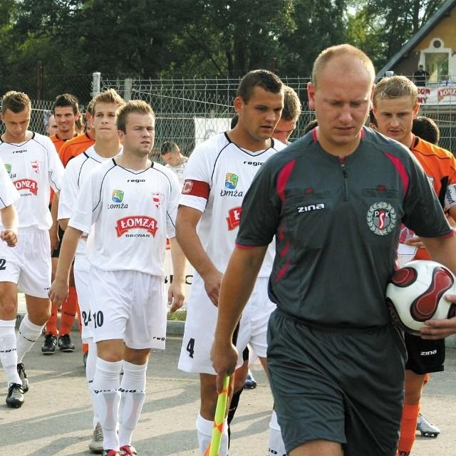 Piłkarze ŁKS-u Browar Łomża, mimo obaw, wyjdą w sobotę na mecz z OKS-em Olsztyn