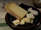 W alpejskiej miejscowości Albertville wytwarzają prąd z ... sera [wideo]