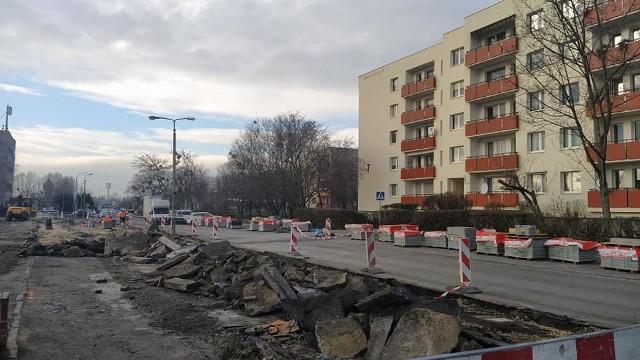 Przebudowa ul. Grota Roweckiego potrwa do wiosny 2021 r.