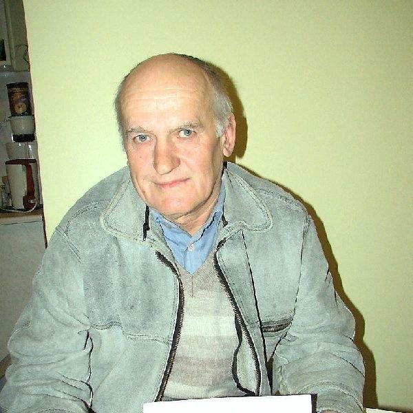 Były prezes Ops Lutówko Henryk Pischke  twierdzi, że komendant Borowicz usuwa starą  gwardię i robi, co mu się żywnie podoba