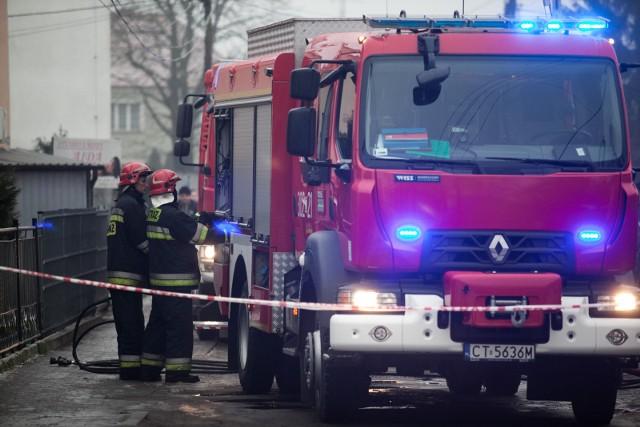 Na miejsce pożaru na Szwederowie pojechały trzy zastępy straży pożarnej (zdjęcie ilustracyjne)
