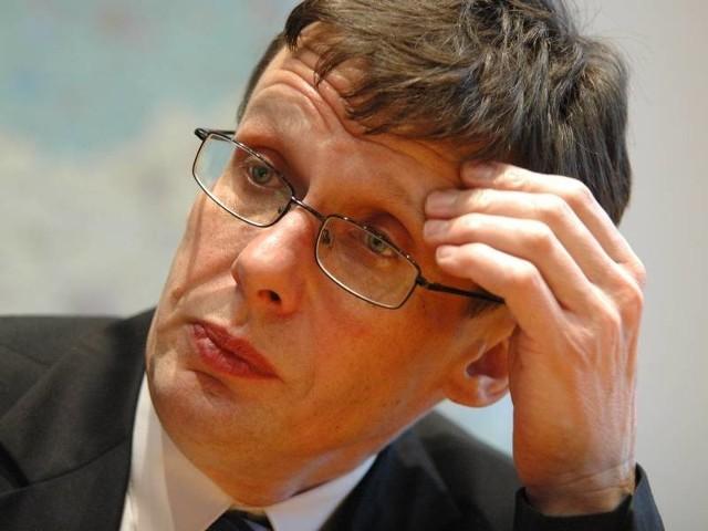 Ast wszedł do Sejmu po dwóch porażkach w wyborach parlamentarnych w 2001 i 2005 r.