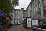 Ulica pobiegnie przez... parter starej fabryczki. Połączy ul. Nawrot z pl. Komuny Paryskiej