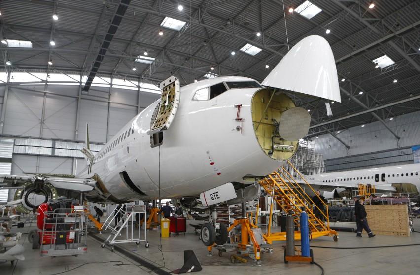 Największy hangar w Europie Środkowo-Wschodniej znajduje się...