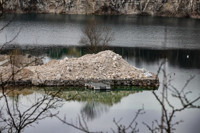 Na Zakrzówku trwa budowa parku, na razie jest dużo betonu