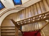 Zabytkowe schody w słupskim ratuszu po renowacji. Zobacz zdjęcia