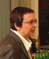 Aktualna minister edukacji- Katarzyna Hall.