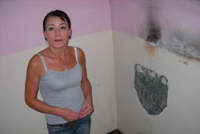 Beata Górnik: - W tym miejscu był ogólnie dostępny kran na korytarzu. Teraz okazuje się, że za zużycie wody przez sąsiadów i sprzątaczkę to ja płaciłam w swoich rachunkach.