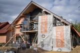 Ocieplenie ścian grafitowym styropianem - to gwarancja domowego ciepła i komfortu