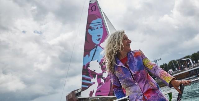 Ewa Ciepielewska od 15 lat znaczną część roku spędza na Wiśle, pływając drewnianą łodzią
