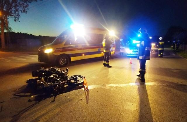 Kierujący seatem 34-letni mieszkaniec pow. ostrołęckiego, wyjeżdżając z drogi podporządkowanej, nie ustąpił pierwszeństwa jednośladowi.