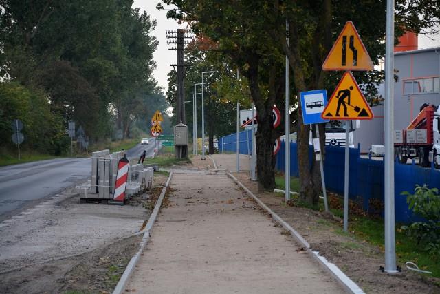 Wykonawca pod koniec września zszedł z placu budowy ścieżki pieszo-rowerowej w Sępólnie