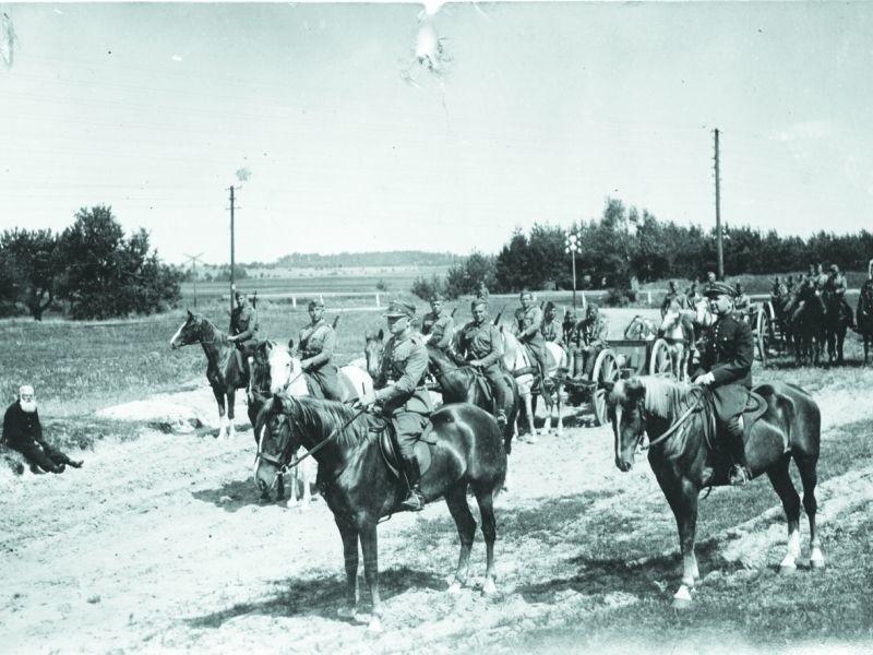 Zdjęcie ze zbiorów Jana Sochonia, artylerzysty służącego w...