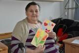 Laurka na Dzień Babci i Dziadka - piękna akcja sandomierskich dzieci dla mieszkańców Domu Pomocy Społecznej. Zobacz, co zrobiły (ZDJĘCIA)