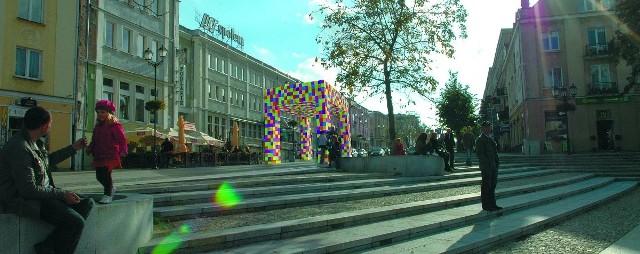Łuk ma stanąć w miejscu, gdzie ulica Suraska zbiega się z wychodzącym na Rynek Kościuszki przedłużeniem Alei Bluesa