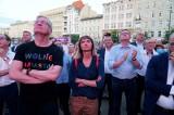 Wybory prezydenckie 2020: Tak wyniki przyjęli politycy KO i sympatycy Rafała Trzaskowskiego, którzy spotkali się na placu Wolności