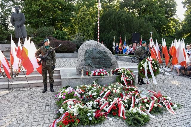 Uroczystości 1 sierpnia odbędą się w Toruniu pod obeliskiem Ku czci Żołnierzy Armii Krajowej na placu Rapackiego