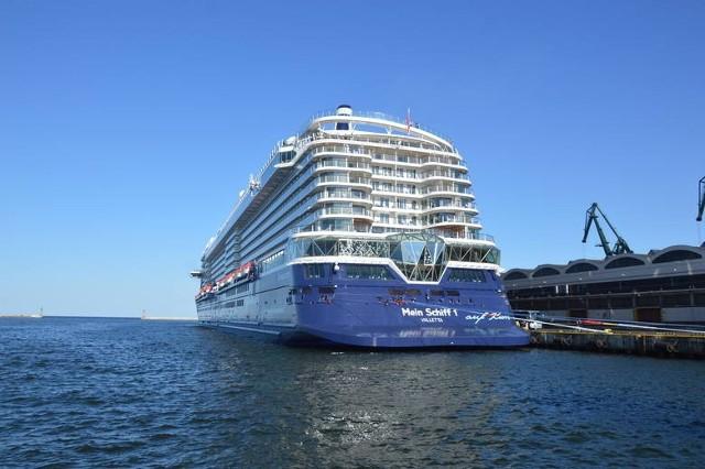 Mein Schiff 1 to najdłuższy wycieczkowiec, jaki pojawi się w tym roku w Gdyni.