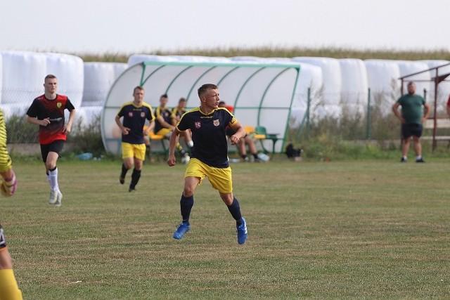 Do gminy Rzekuń przyjechała zawsze groźna ekipa GKS Andrzejewo. W pierwszych 45 minutach nowego sezonu straszyli jednak zawodnicy gospodarzy.