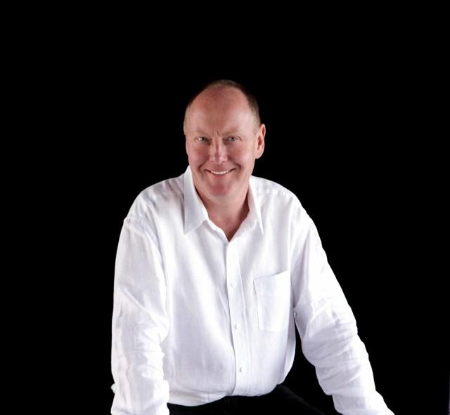 Piątkowym koncertem zadyryguje Brytyjczyk Paul McCreesh