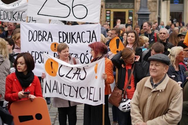 Nauczyciele z woj. śląskiego również podejmą strajk włoski