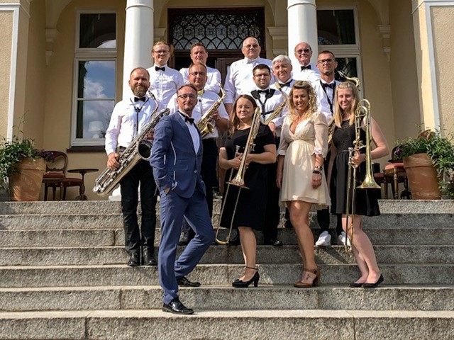 W niedzielę podczas Swingującej Starówki przed Odwachem wystąpi aż dwunastoosobowa grupa Happy Jazz Band