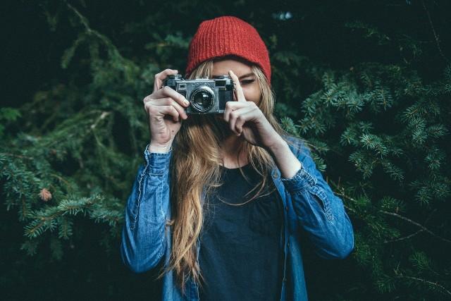 W poniedziałek, 20 kwietnia zakończyło się głosowanie w pierwszym, powiatowym etapie akcji. W piątek, 24 kwietnia rozpoczną się eliminacje wojewódzkie. Czekają nagrody - vouchery na sprzęt fotograficzny, a w wielkim finale zaproszenie na pasjonującą fotowyprawę do USA organizowaną przez partnera naszej akcji - Klub Podróży Horyzonty. Sprawdź, kto wygrał w Twoim powiecie.