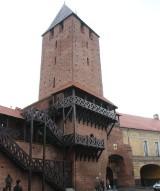 Brama Krakowska - najwyższa wieża namysłowskich murów obronnych
