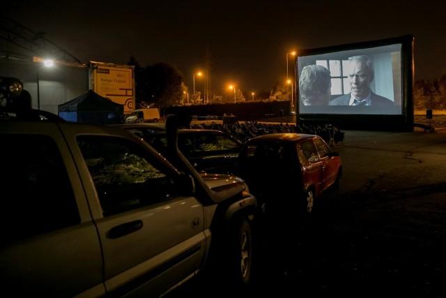 Kino samochodowe wydaje się być idealnym pomysłem na kulturę w czasie kwarantanny ze względów higienicznych