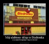 Ten sklep codziennie odwiedzają tysiące Polaków. Zobacz najlepsze memy o Biedronce!