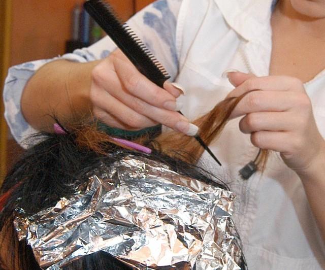 Podkarpaccy fryzjerzy zostali skontrolowani przez sanepid. Posypały sie mandaty. Fot. Archiwum