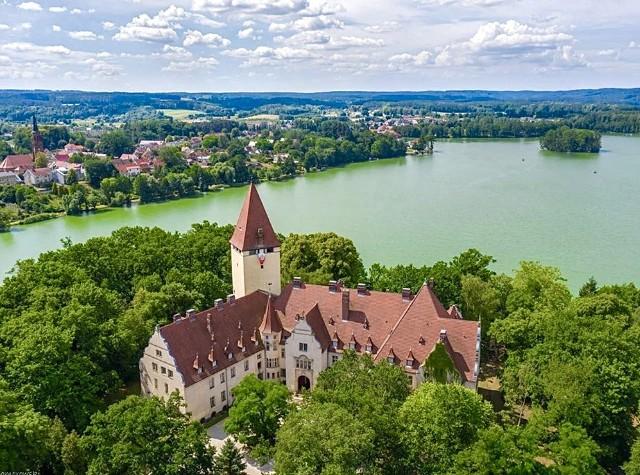Właścicielem zamku w Lubniewicach jest firma Centrum Zamek.