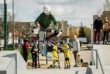 Skatepark w Nowym Fordonie jest już gotowy i tętni życiem! Młodzież aktywnie spędza swój wolny czas [zdjęcia]