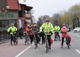 Kruszwica. Cykliści Kruszwickiej Grupy Rowerowej jechali małą pętlą wokół jeziora Gopło. Zdjęcia