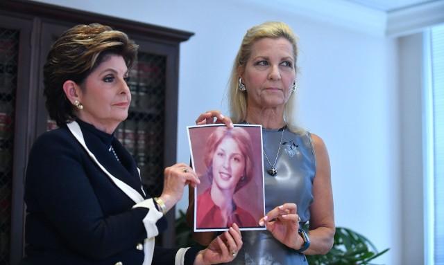 Robin (z prawej) i jej prawniczka Gloria Allred