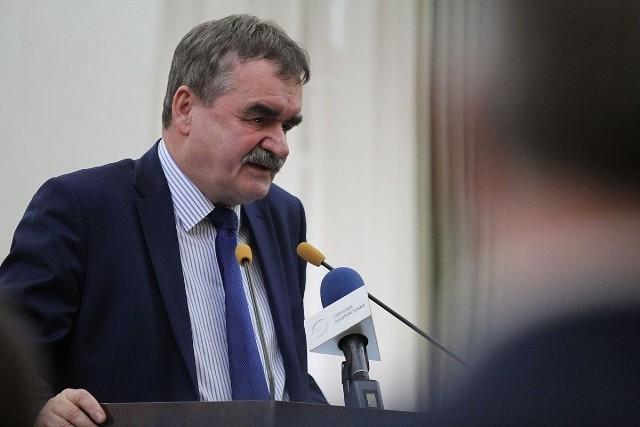 Prezydent Kielc Wojciech Lubawski.