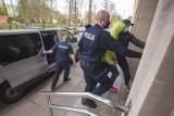 Podejrzani o udział w bójce i wymuszenia haraczy z nierządu są już na wolności