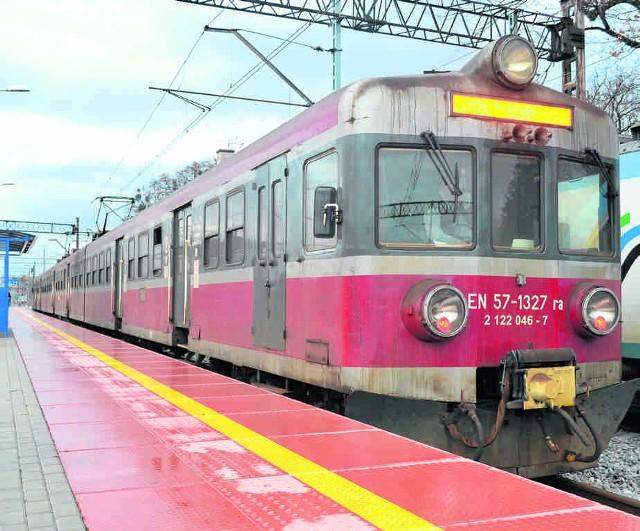 Do Chałupek kursują pociągi! Ale na razie to przejazdy techniczne. Wyremontowany szlak kolejowy testował m.in. dziennikarz DZ