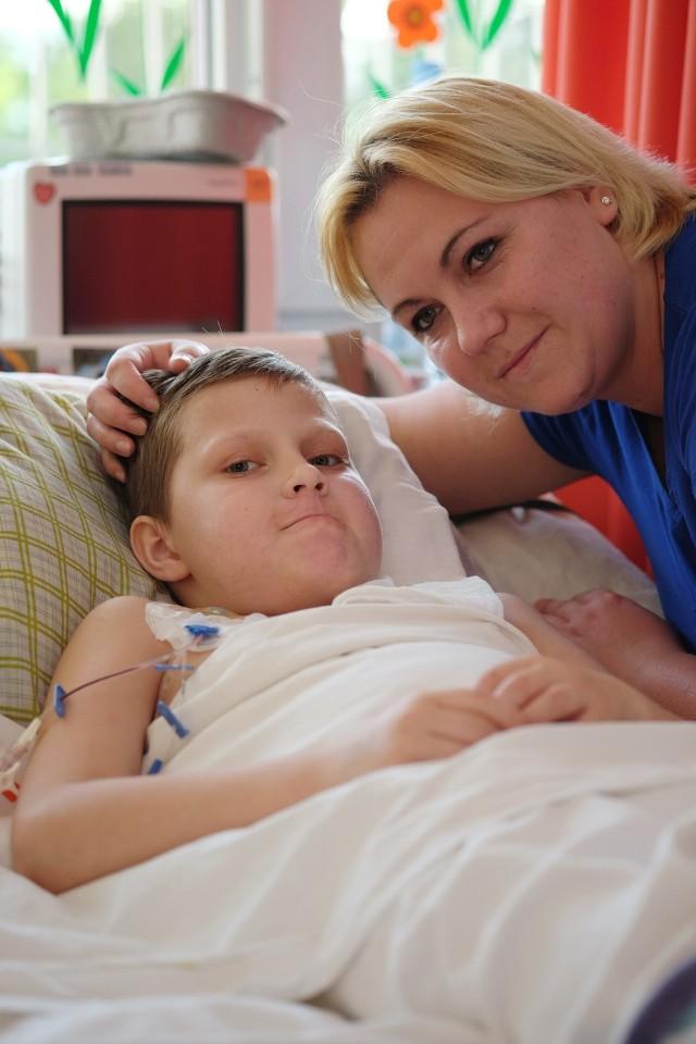 Chłopiec po ciężkim wypadku musi rok czekać na rehabilitację