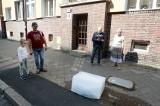 Spoiwa Kultury w Szczecinie 2020: Bryły lodu z zamrożonymi listami na Niebuszewie