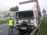 Autobus zderzył się z tirem w Rzgowie. Pięć osób rannych! [nowe fakty, zdjęcia]