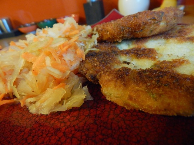Kotlety z ziemniaków to pomysł na szybki i niedrogi obiad. Zobaczcie przepis.